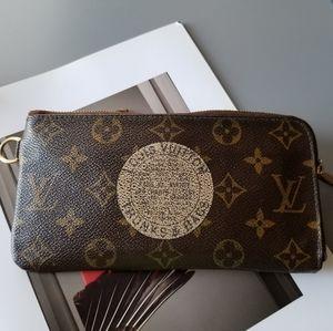 Louis Vuitton Monogram Classic Limited edition